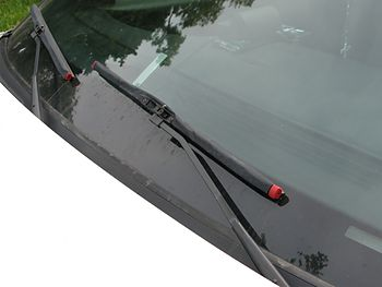 Part of windshield & wipers